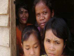 Para buruh perempuan di PT Satu Sembilan Delapan (dok. sawit watch)