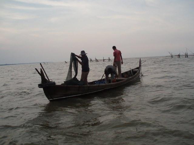 Nelayan tradisional di perbatasan Indonesia-Malaysia (dok. kiara)