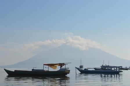 Perahu nelayan tradisional di Lembata, NTT (dok kiara)