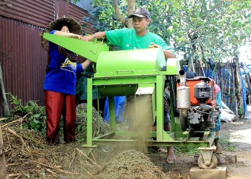 Alat menggiling kompos (dok. Villagerspost.com/M. Agung Riyadi)
