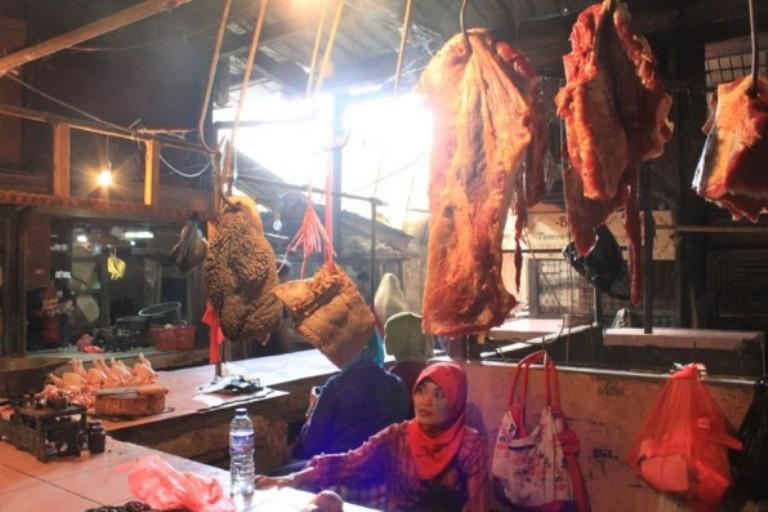 Pedagang daging sapi di pasar tradisional (dok. jabarprov.go.id)