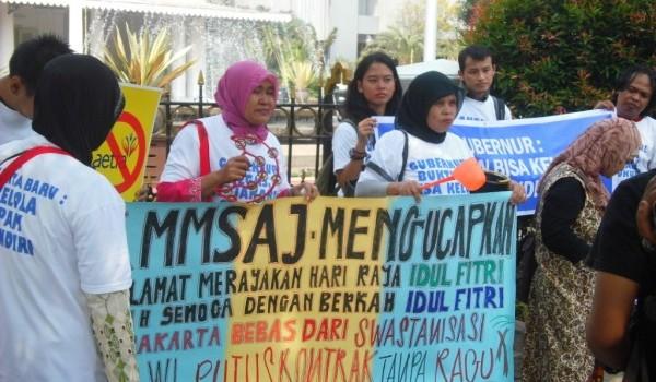 Warga menentang privatisasi air di Jakarta (dok. urbanpoor.or.id)