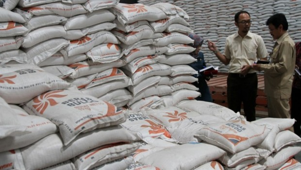Beras di gudang Bulog. Alasan El Nino, Presiden Jokowi putuskan impor beras (dok. setkab.go.id)