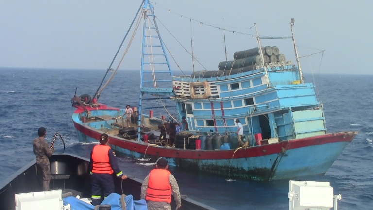 Kapal ikan asing pelaku illegal fishing ditangkap aparat KKP. (dok. kkp.go.id)