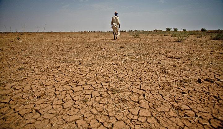 Kekeringan akibat dampak El Nino, Tahun ini diperkirakan Super El Nino akan terbentuk dan membuat jutaan orang terancam kelaparan (dok. climatecentral.org)