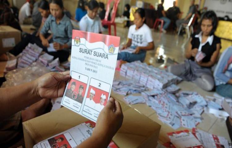 Persiapan surat suara untuk pilkada di Bali. Kemendesa PDTT jelaskan dana desa tak terkait Pilkada Serentak (kpu-karangasemkab.go.id)