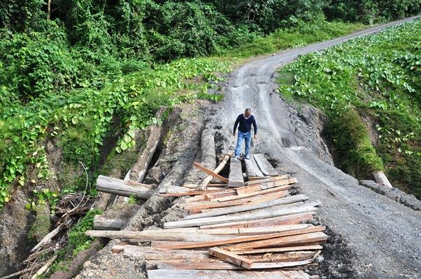 Pembangunan desa perbatasan di Kalimantan. Desa perbatasan bisa menjadi gerbang perekonomian nasional (dok. diskominfo.kaltimprov.go.id)