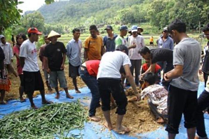 Mahasiswa dilibatkan dalam pembangunan desa (dok. setkab.go.id)