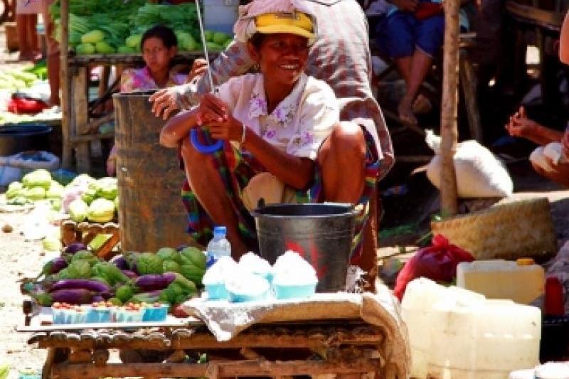 Suasana pasar tradisional. DPR minta ada proteksi untuk pasar tradisional (dok. tourism.nttprov.go.id)