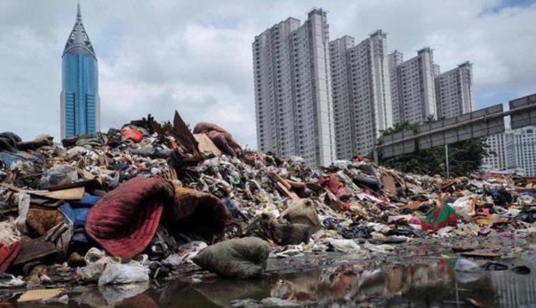 Tumpukan sampah di wilayah perkotaan (dok. lipi.go.id)