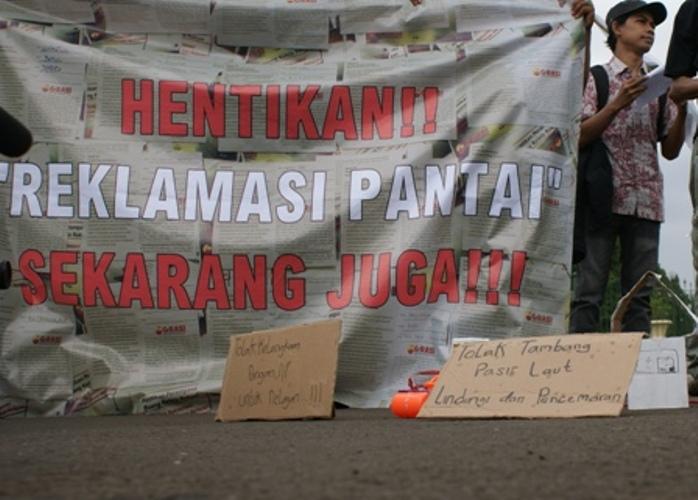 Aksi menolak reklamasi pantai utara Jakarta (dok. kiara)