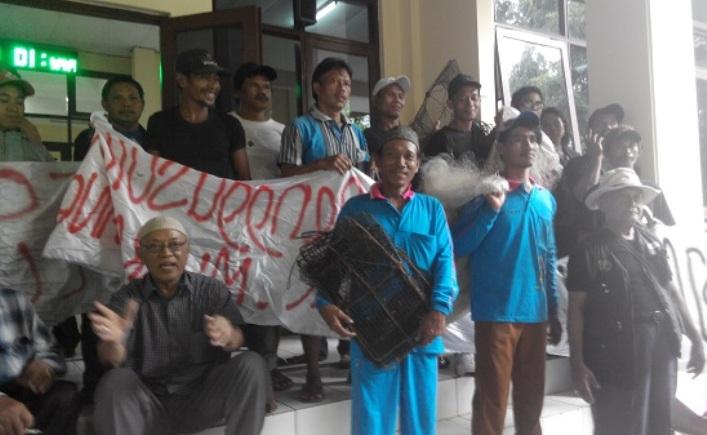 Aksi nelayan di depan PTUN Jakarta menentang proyek reklamasi (dok. bantuanhukum.go.id)