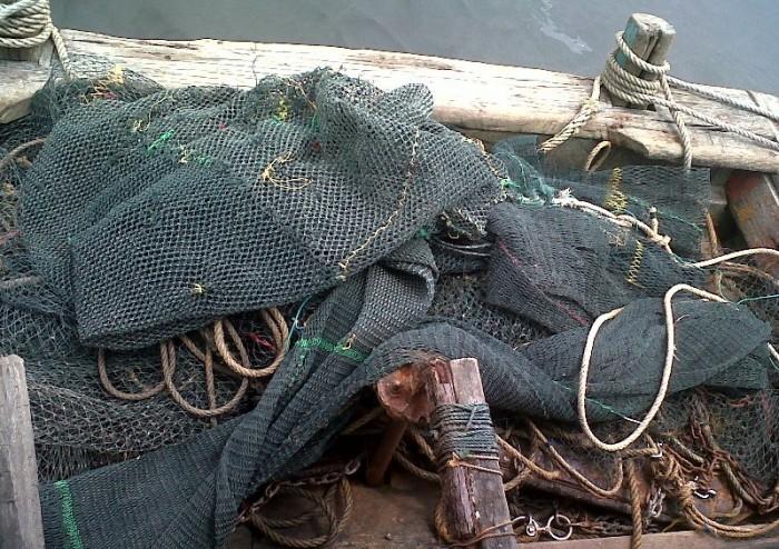 Alat tangkap mini trawl yang masih digunakan nelayan tradisional (dok. probolinggokab.go.id)