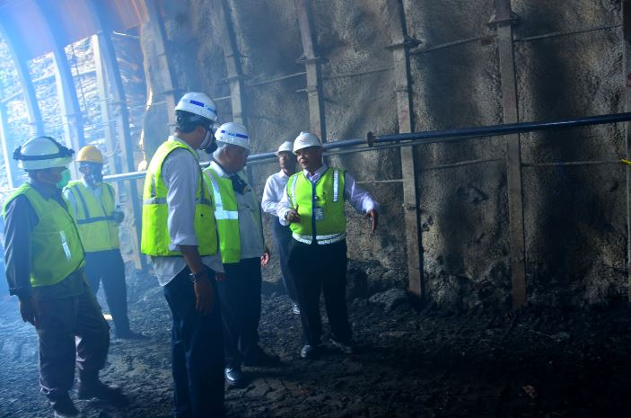 Menteri Pekerjaan Umum dan Perumahan Rakyat Basuki Hadimuljono meninjau pembangunan waduk Bendo, Ponorogo (dok. pu.go.id)