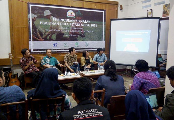 Para narasumber memberikan pemaparan di acara peluncuran pemilihan Petani Muda 2016 (dok. villagerspost.com)