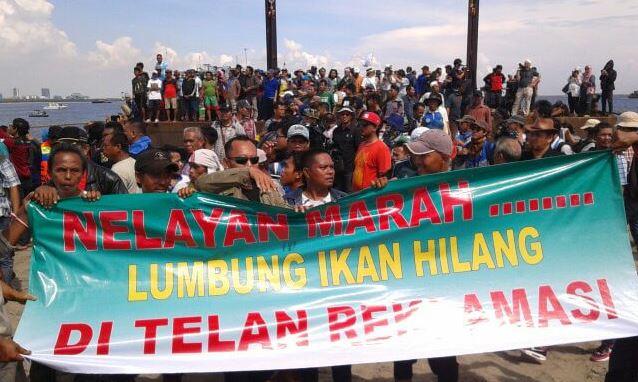 Nelayan dan pegiat lingkungan hidup melakukan aksi protes terhadsap proyek reklamasi Teluk Jakarta (dok. kontras)