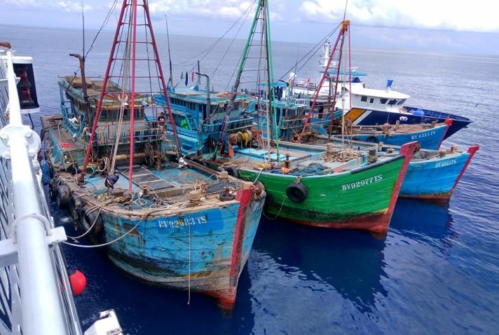 Kapal ikan asing ditangkap aparat Kementerian Kelautan dan Perikanan (dok. kkp.go.id)