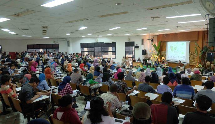 Peserta antusian mengikuti seminar agroekologi nusantara di Kampus IPB, Bogor, Selasa (29/11) (dok. villagerspost.com/usi nuraprita)