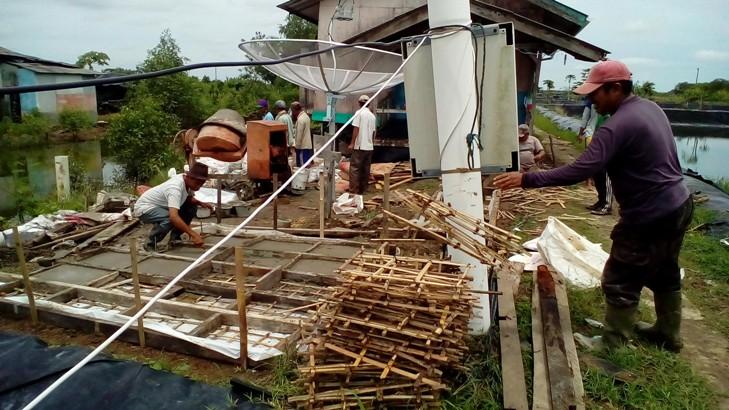 Petambak Bimi Dipasena melakukan proses rehabilitasi tambak udang (dok. p3uw lampung)