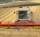 ilustrasi: alat pertanian modern (blog.umy.ac.id)