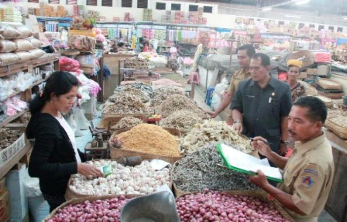 Pemantauan harga kebutuhan pokok di pasar (dok. kabupaten klungkung)