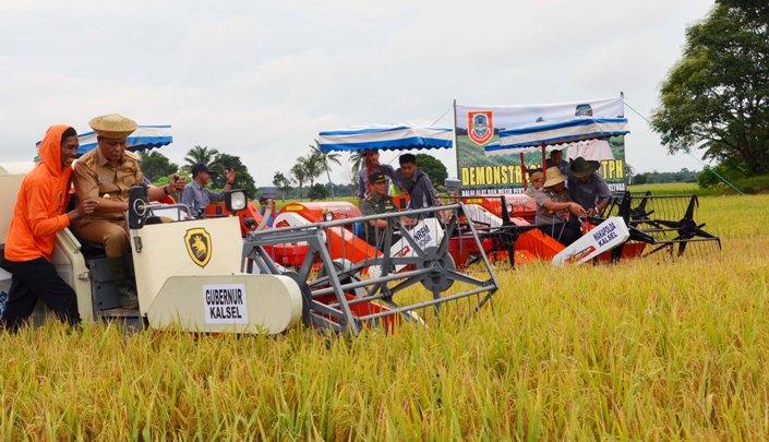 Panen padi di Kabupaten Tapin, Kalsel (dok pemprov kalsel)