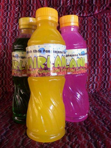 Sirup dari rumput laut dengan varian aneka rasa, sudah dikemas dan siap dipasarkan (dok. villagerspost.com/uppy supriyadi)