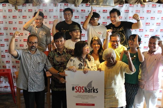 Publik figur terlibat dalam kampanye penyelamatan hiu (dok. wwf)