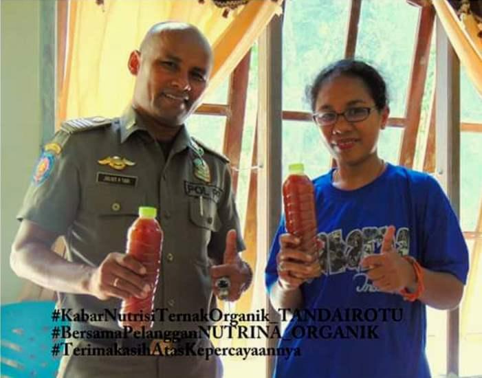 Rooslinda Rambu Lodji, memamerkan produk Nutrina Organik hasil kreasinya (dok. pribadi)