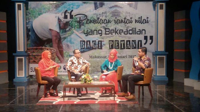 Dialog membangun rantai nilai yang berkeadilan bagi petani di studio TVRI Makassar (dok. villagerspost.com/suhardjo)