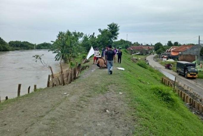 Luapan air Sungai Pemali, Brebes, Jawa Tengah, mengancam enam desa dan sembilan kelurahan (dok. villagerspost.com/bangkit nugroho sylendra)