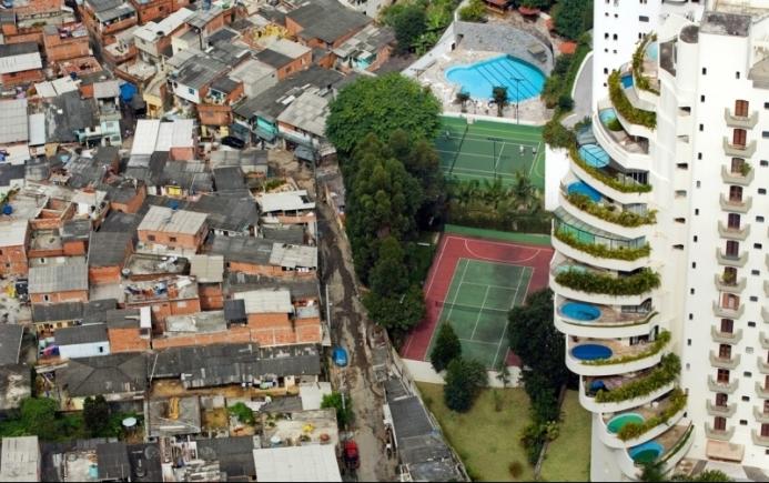 Ketimpangan sosial antara si kaya dan si miskin (dok. ugm.ac.id)