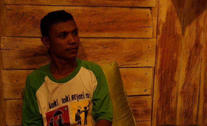 Bani, salah satu relawan CIS Timor menceritakan pengalamannya menjadi laki-laki baru (dok. villagerspost.com/istimewa)