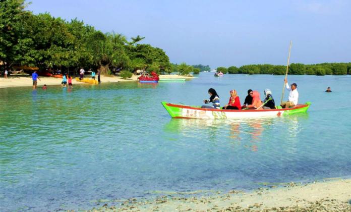 Kawasan wisata Pulau Pari (dok. pulaupari.org)